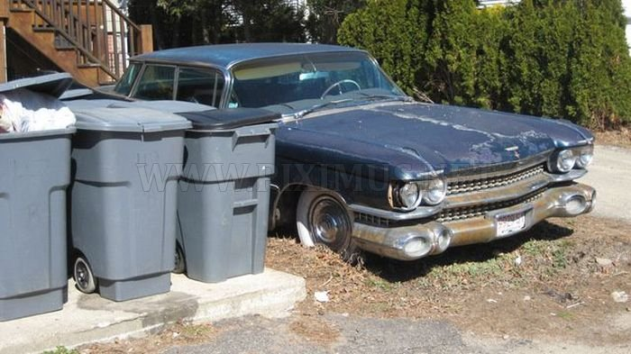 Rusty rarity of Cadillac was found on the streets of Boston