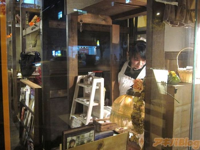 Tokyo Restaurant Ready for Halloween