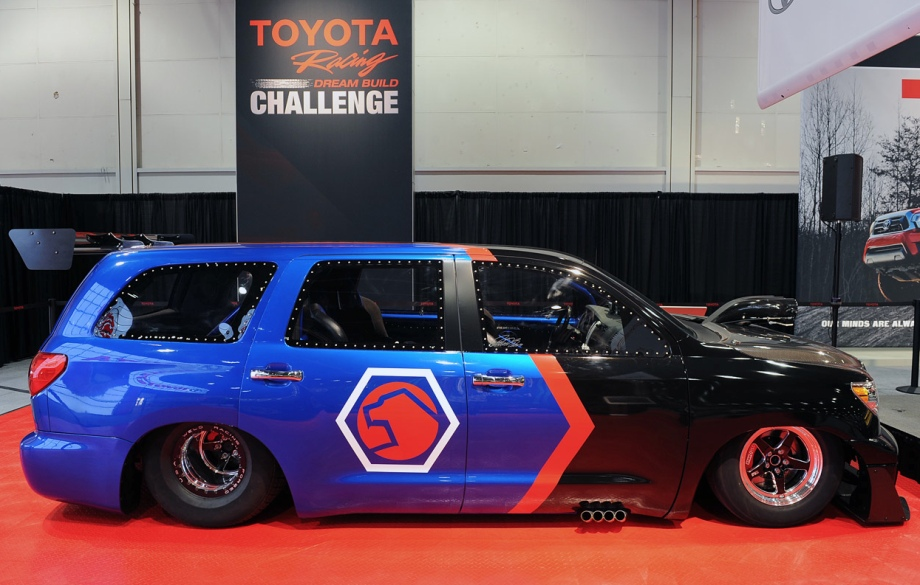 Toyota Sequoia - 650hp dragracer