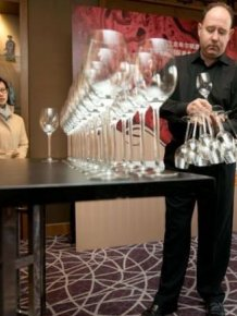 Wine Glass Holding Record