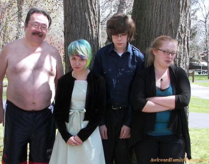 Awkward Family Photos, part 2
