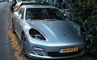 Thieves Are Stealing Porsche Headlights