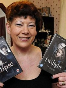 This Woman LOVES Twilight Saga