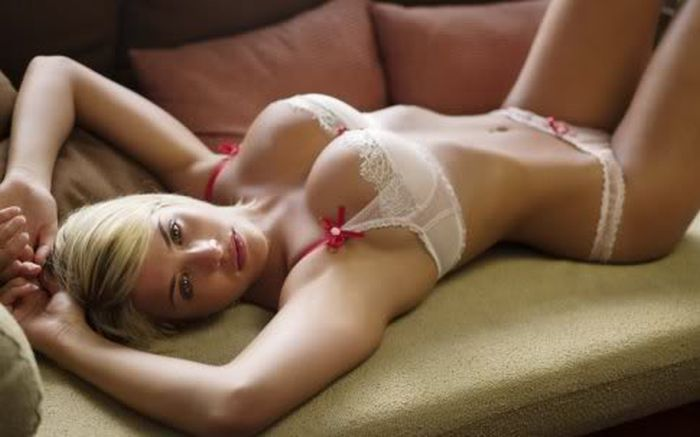 Hot Girls in Lingerie