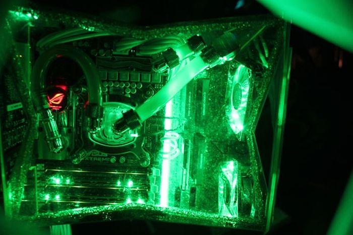 Hulk Computer Case Mod