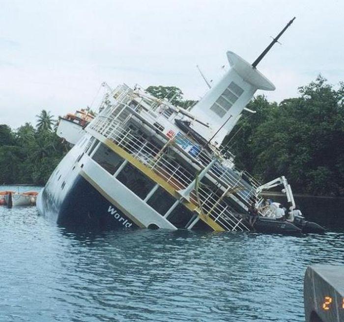 Abandoned Cruise Ship World Discoverer