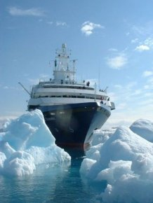 Abandoned Cruise Ship World Discoverer