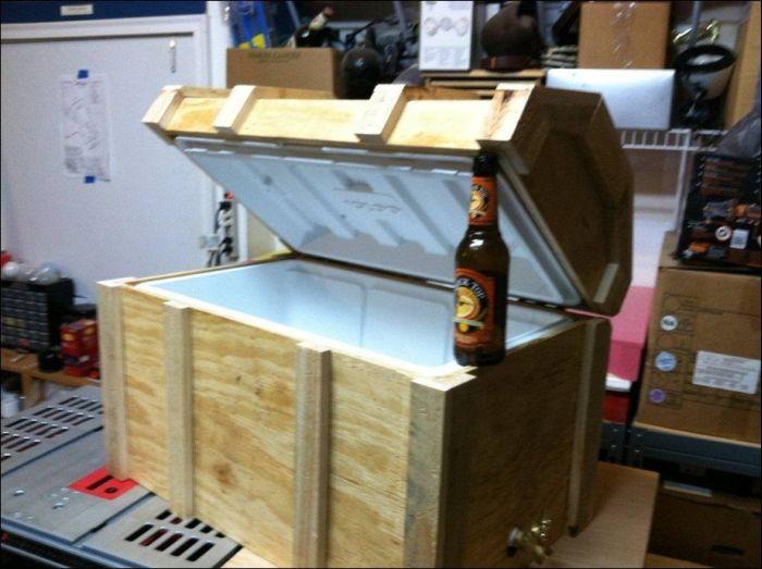 DIY Pirate's Treasure Chest Cooler