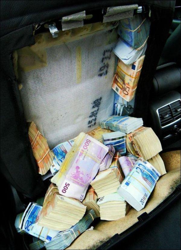 1 8 million euro inside car seats vehicles. Black Bedroom Furniture Sets. Home Design Ideas