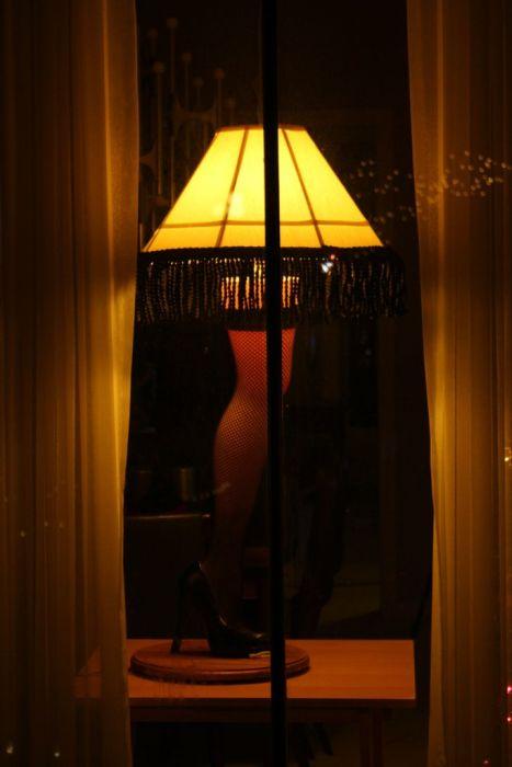 DIY Christmas Story Leg Lamp
