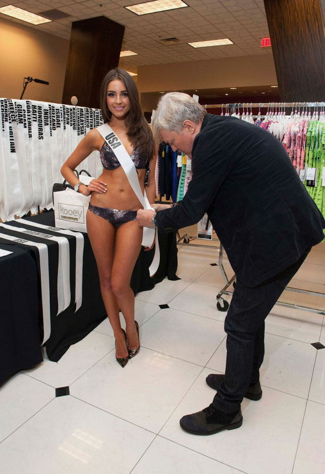 Miss Universe 2012 Bikini Photos