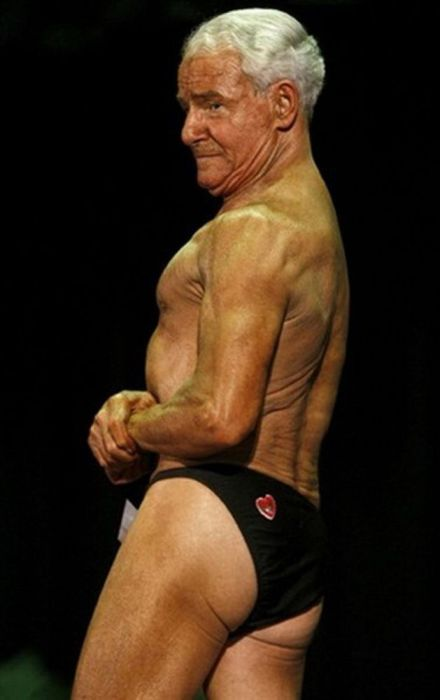 84-Year-Old Weightlifter Ray Moon