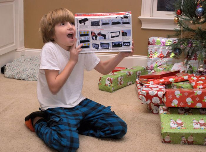 happy children on christmas morning - Best Christmas Gifts 2014 For Kids