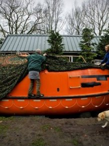 Dutch Man Prepares Ark for Dec. 21, 2012