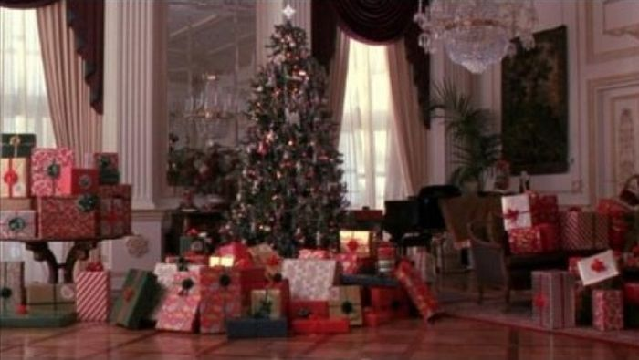 """Why """"Home Alone 2"""" Is Better Than The Original"""