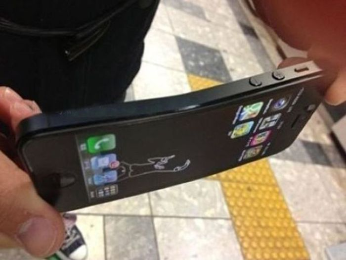 iPhone 5 Can Bent