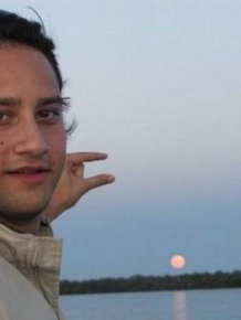 Can Someone Photoshop The Sun Between My Fingers?