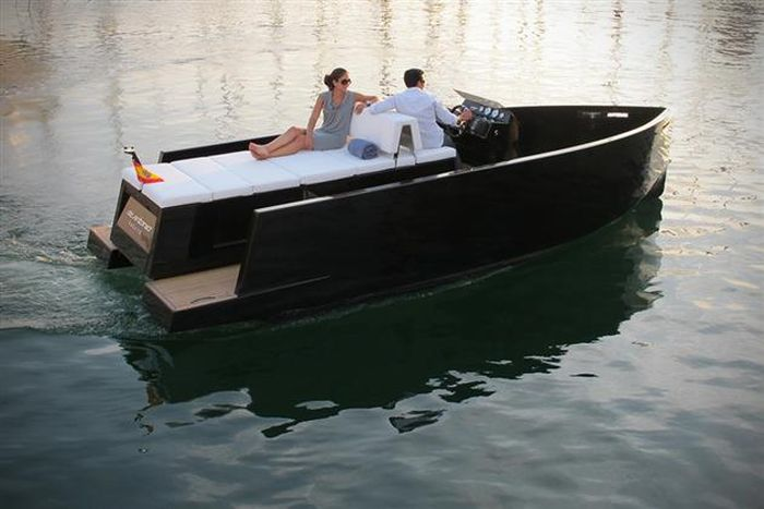The Mini Yacht De Antonio D23