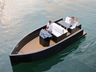 The Mini Yacht De Antonio D23