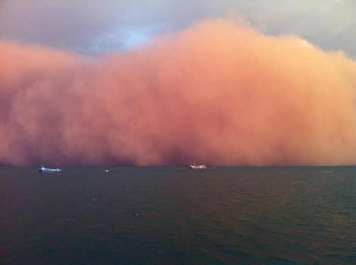 'Red Wave' Dust Storm