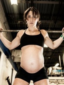 Pregnant Weightlifting Girls