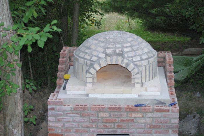 DIY Outside Pizza Oven