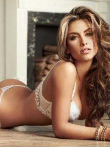 Jessica Cediel in sexy lingerie