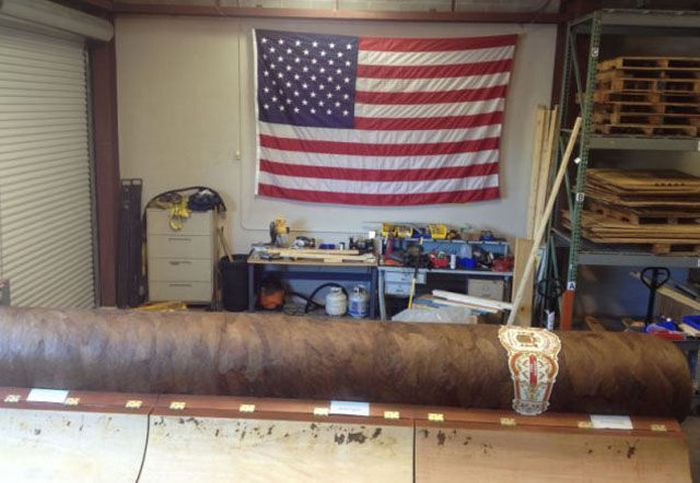 Collector Pays $185,000 for a Giant Cigar