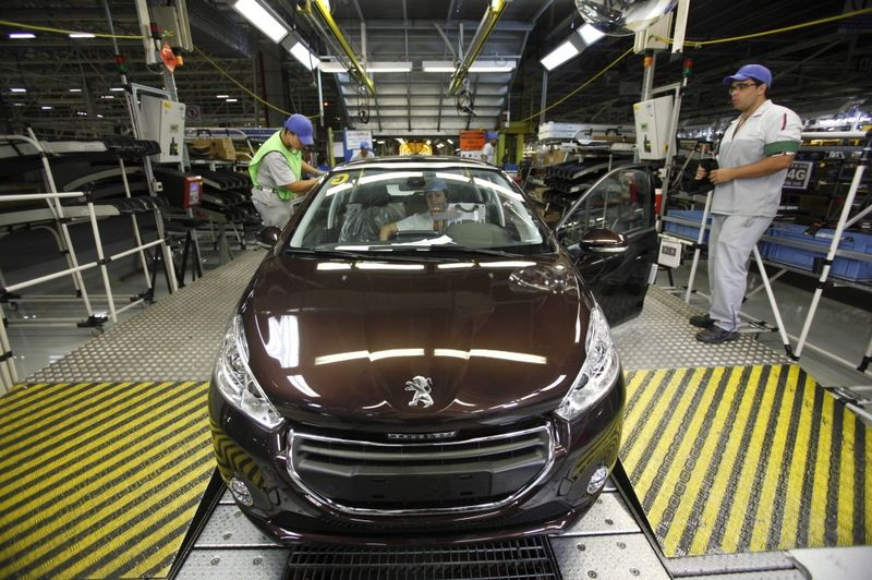 Women in the production of cars