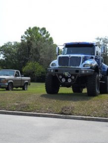 IRONREVENGE - the world's largest street legal 4×4