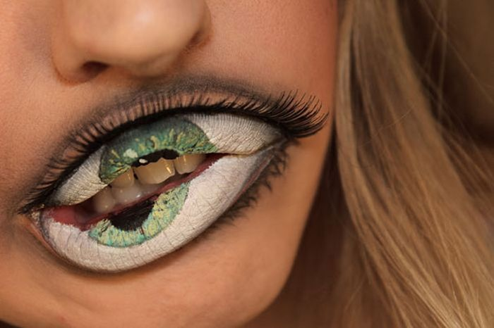 Creepy Lip Makeup
