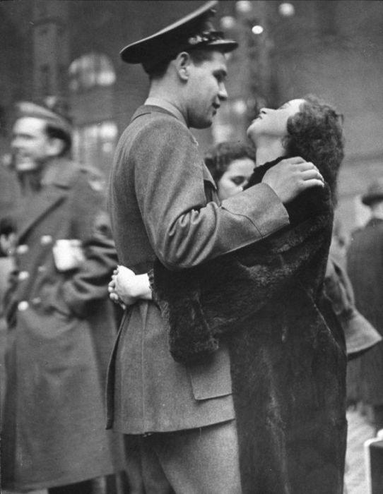 Wartime Kiss