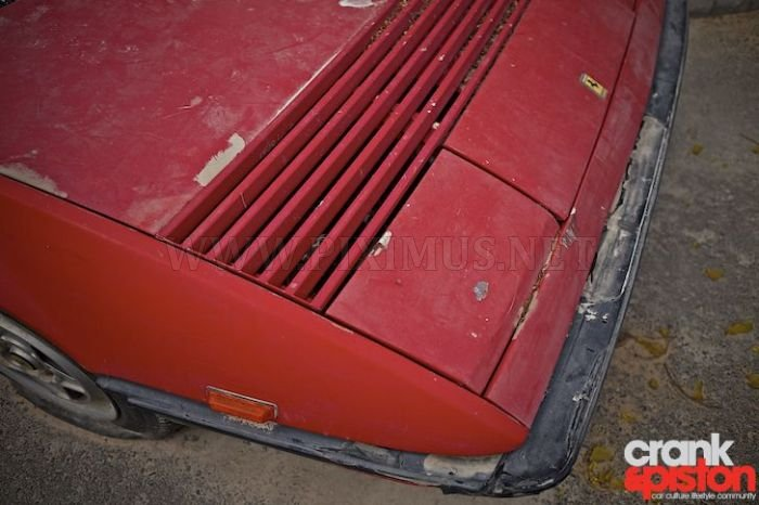 Abandoned Ferrari Mondial 1980 , part 1980