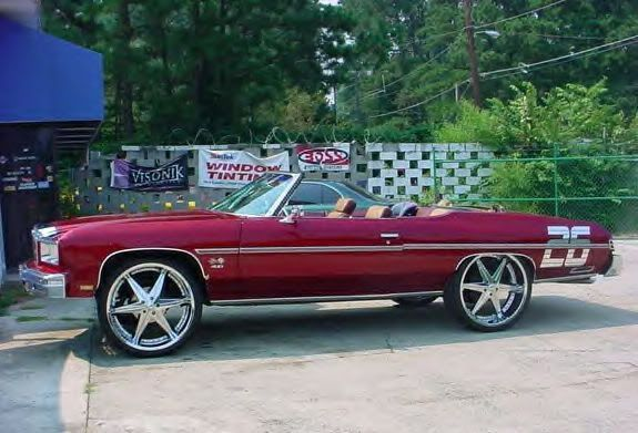 American Cars With Huge Chrome Wheels Vehicles