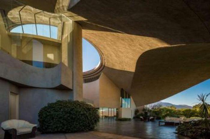 Bob Hope's Iconic John Lautner-Designed Volcano Home