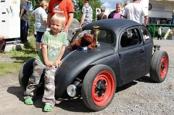 Guy Built a Car for His Son