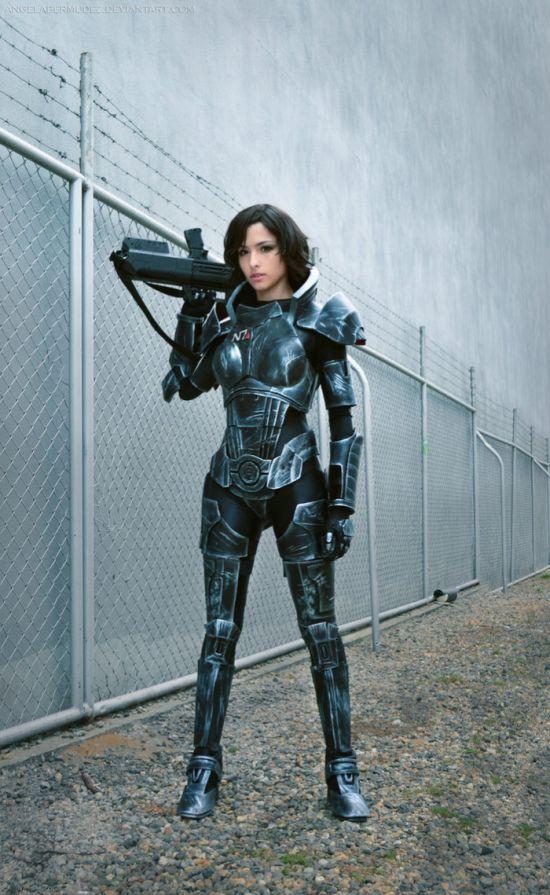 Amazing Mass Effect Female Shepard Cosplay