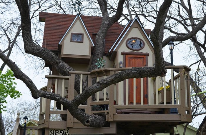 The Most Incredible Kids' Tree House Ever