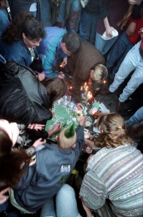 Kurt Cobain Suicide Scene Others