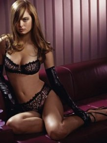 Julie De Gouy in lingerie