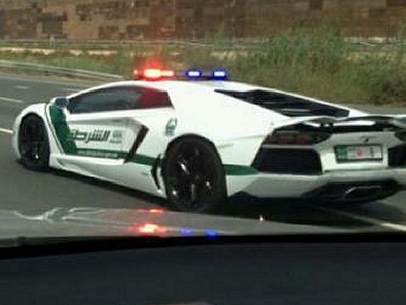 Dubai police received Lamborghini Aventador