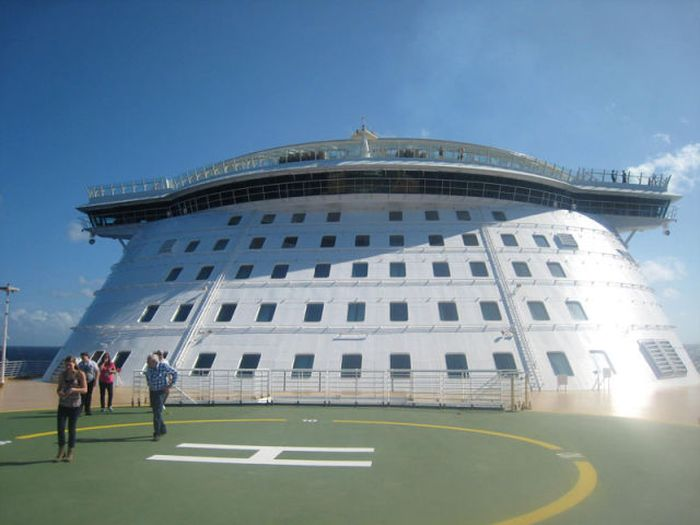 "The Inner Workings of ""Allure of the Seas"""
