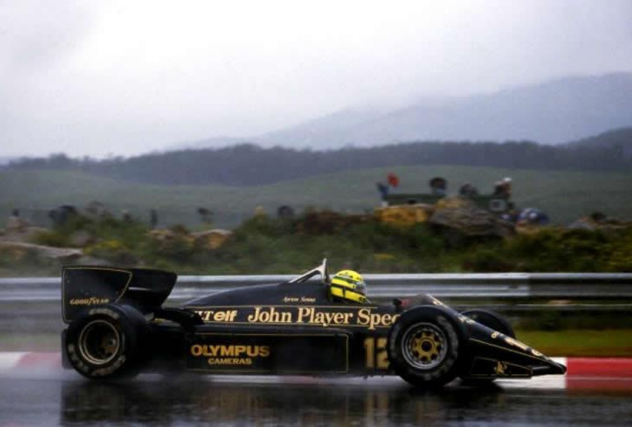 Lotus 97t Renault V6 Turbo F1 Race Car Driven By Ayrton