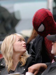 Emma Stone Kisses Spiderman