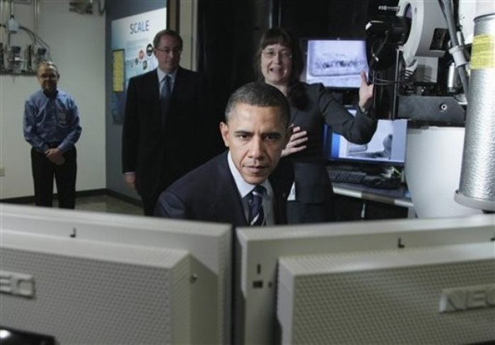 Obama Is Checking Your Email