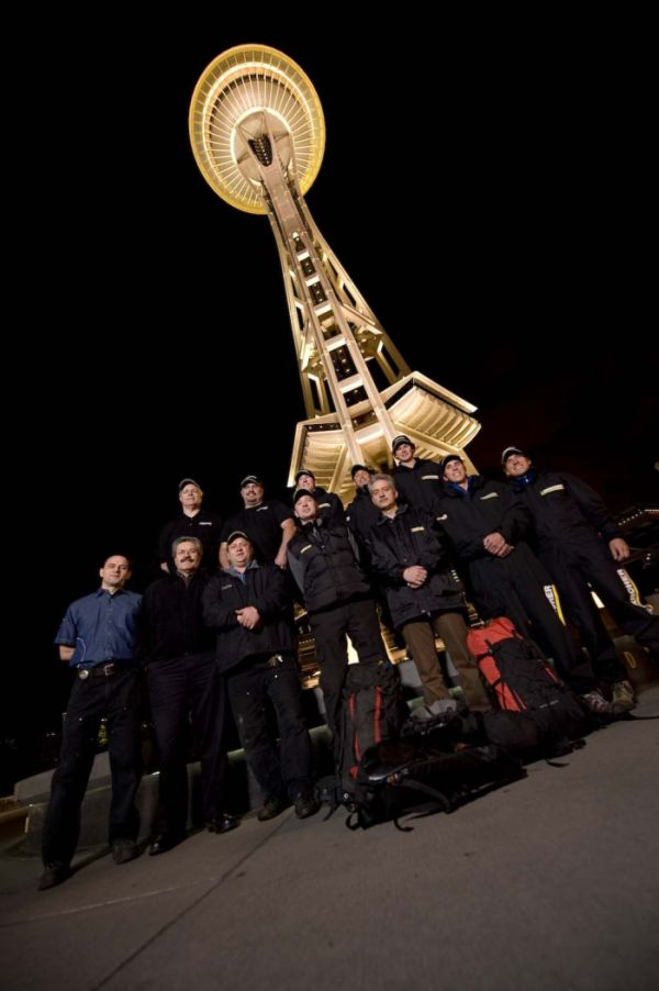 Cleaning the Seattle Space Needle