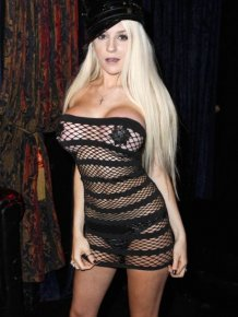 Courtney Stodden with sexy dress