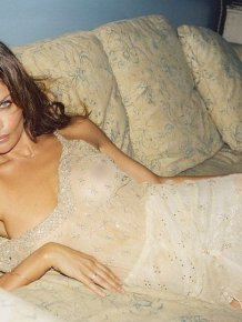 Helena Christensen Is Hot
