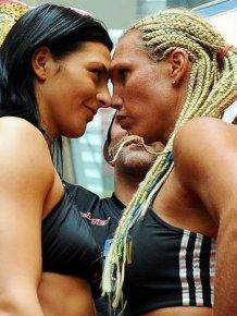 Women's Boxing Kiss