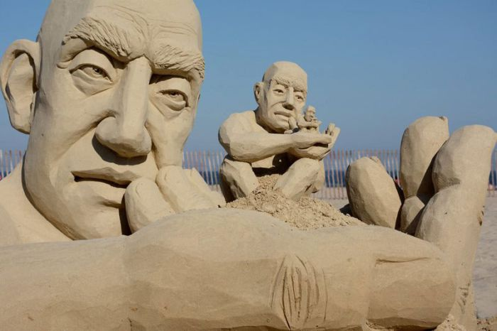 The Infinity Sand Sculpture